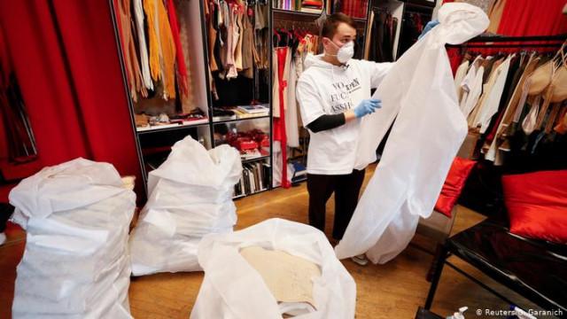 Помощь бизнесу: защитную одежду для медиков от дизайнеров (видео)