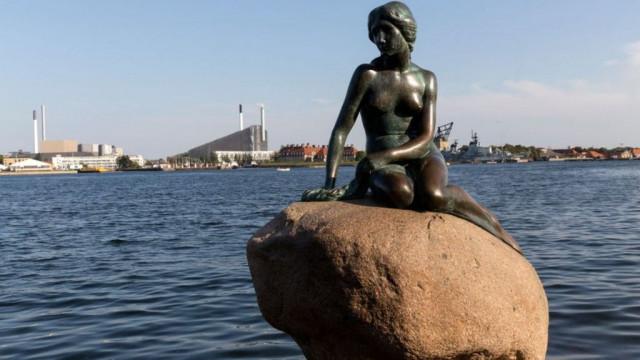 Выход из карантина по-датской: дети - в школу, бизнеса - бонусные деньги