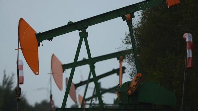 Цена американской нефти WTI впервые в истории стала от & # x27; емкой
