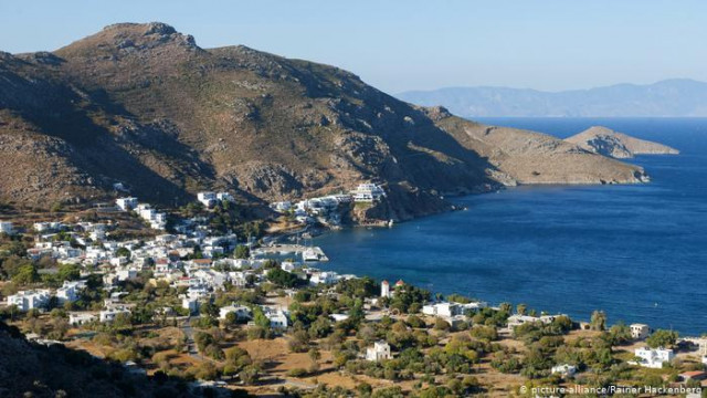 Греция хочет открыть двери для туристов: насколько это реально?