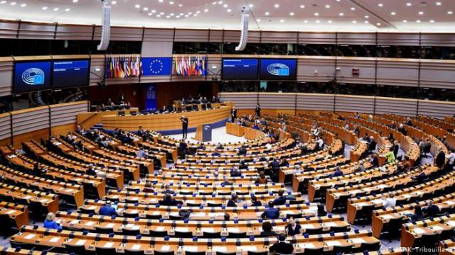 Европарламент одобрил выделение 12 миллиарда евро кредита для Украины