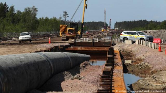 """В Кремле уверяют, что Россия достроит """"Северный поток-2"""" несмотря на санкции США"""