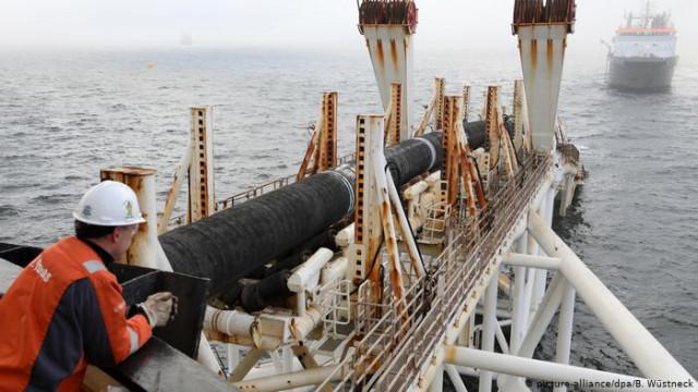 """В правительстве ФРГ критикуют намерения США ввести санкции против """"Северного потока-2"""""""