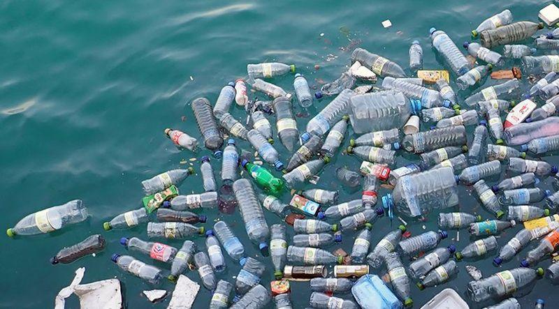 Пластиковый мусор уничтожает все живое рядом с островом Вавада